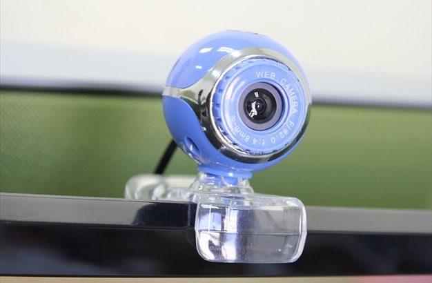 ウェブカメラ:高画質のロジクールとZOOM C1000を比較