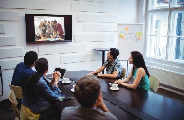 ビデオ会議におすすめのウェブカメラ5選!テレワークの方も必見!