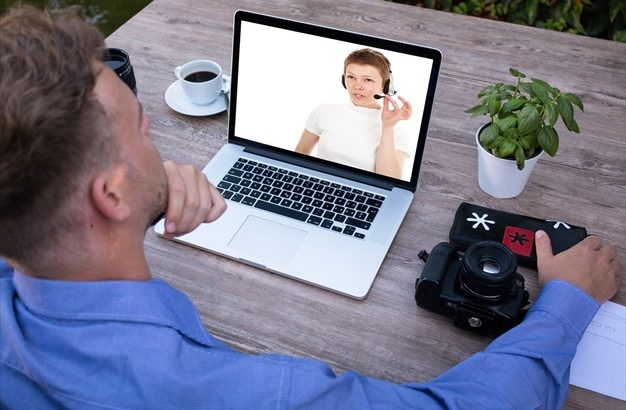ウェブカメラは高画質で高音質のものがオススメ